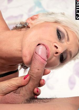 Reena roy hot pics