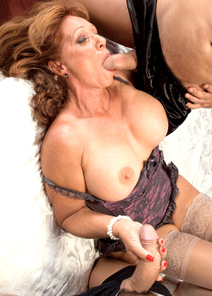 2 milfs in sensual lesb action gr2 - 1 7