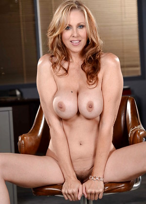 Girl nude in puplic