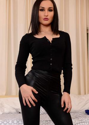 Petite brunette Gabriella Paltrova gets black cock while cuckold hubby watches № 426867 без смс