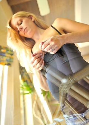Nackt Leah Gradney  50 Sexy