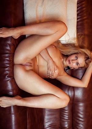 Caroline Abel  nackt
