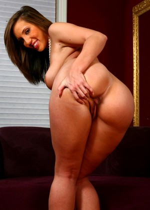 Kelly divine naughty america