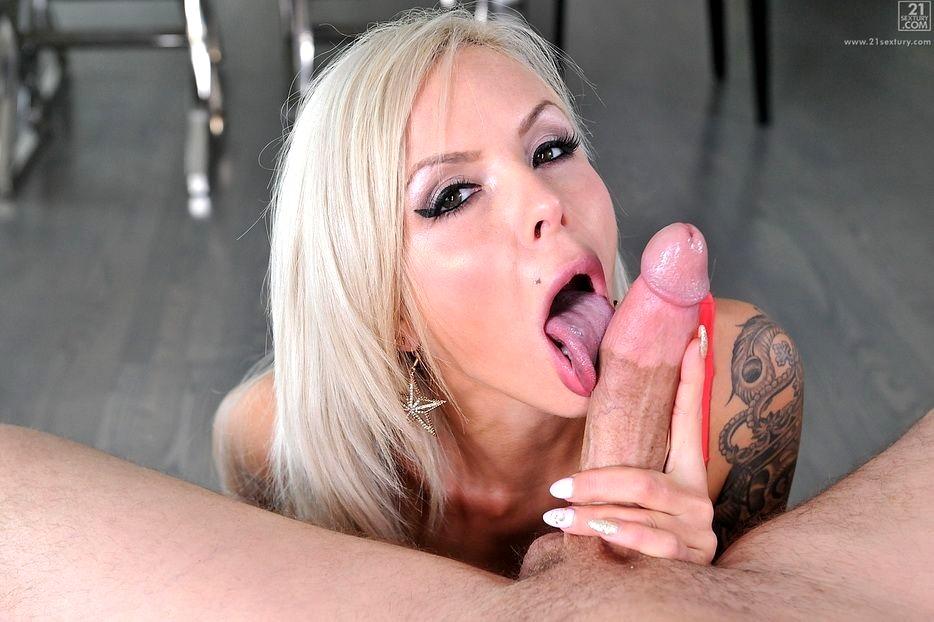 секс платиновой блондинки смотреть неимением лучшего