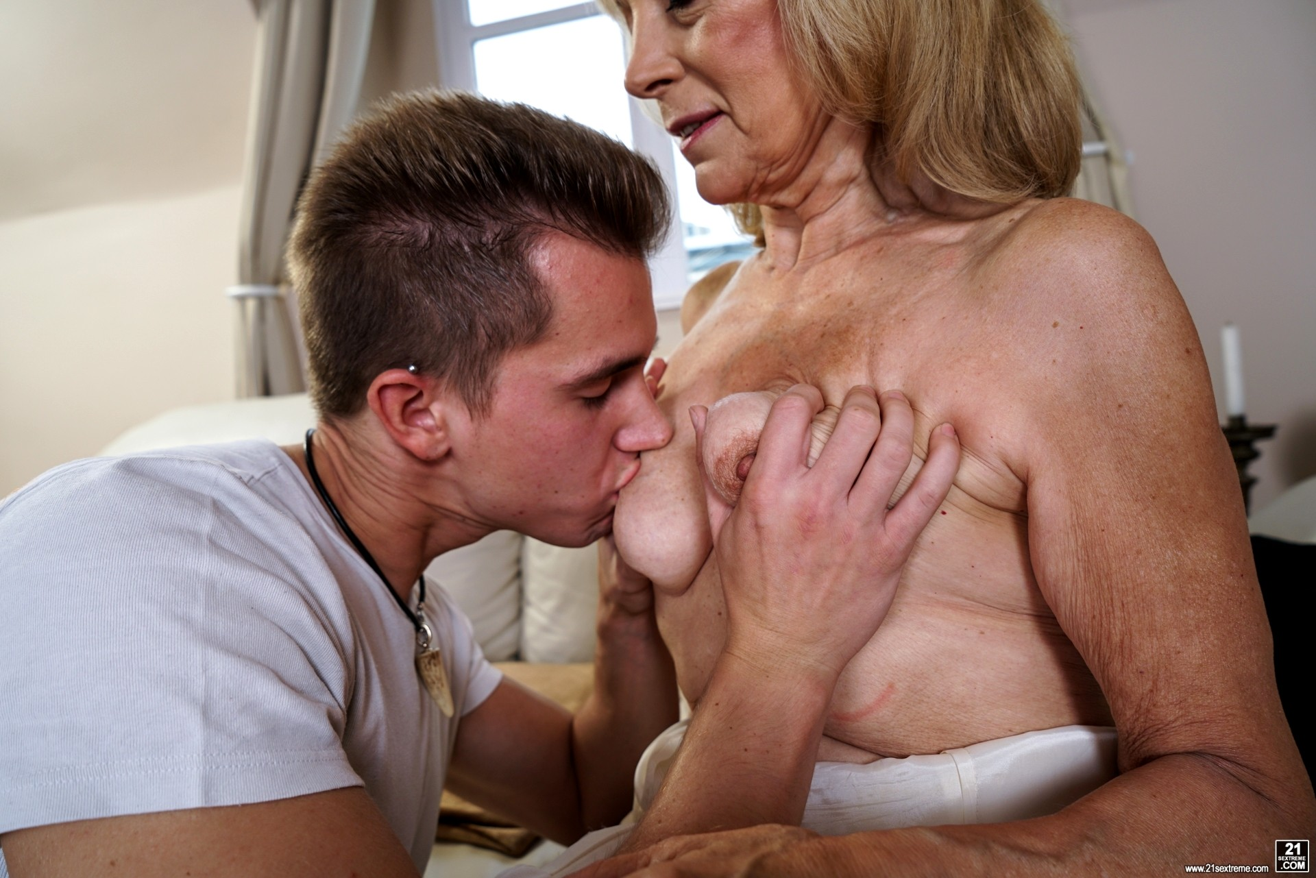 Babe Today 21 Sextury Szuzanne International Granny -5566