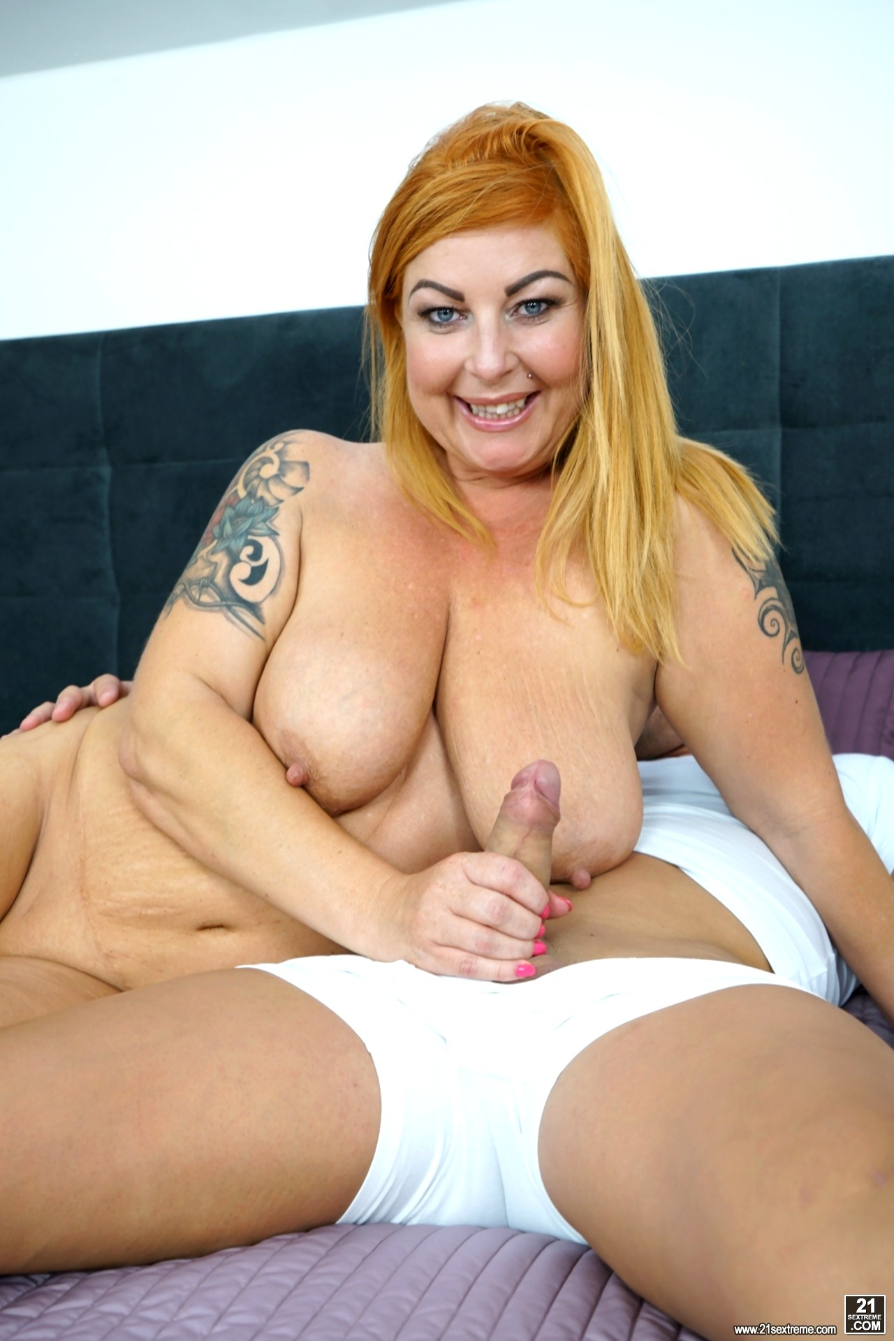 Showing Porn Images For Mature Tammy Webcam Porn  Www -2953