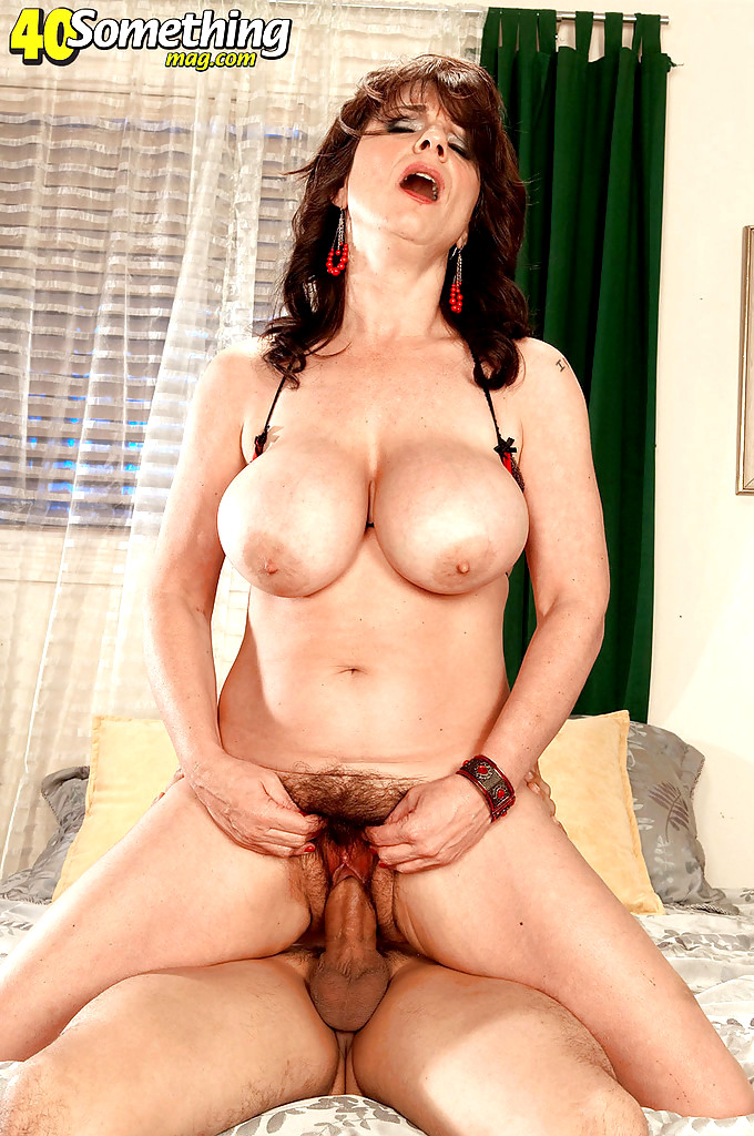 Latina milfs gloria and rosaly stuff their pussy with dildo - 1 part 10