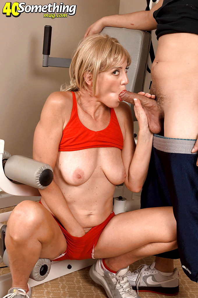 Delicious hairy old granny fingering intro - 3 2