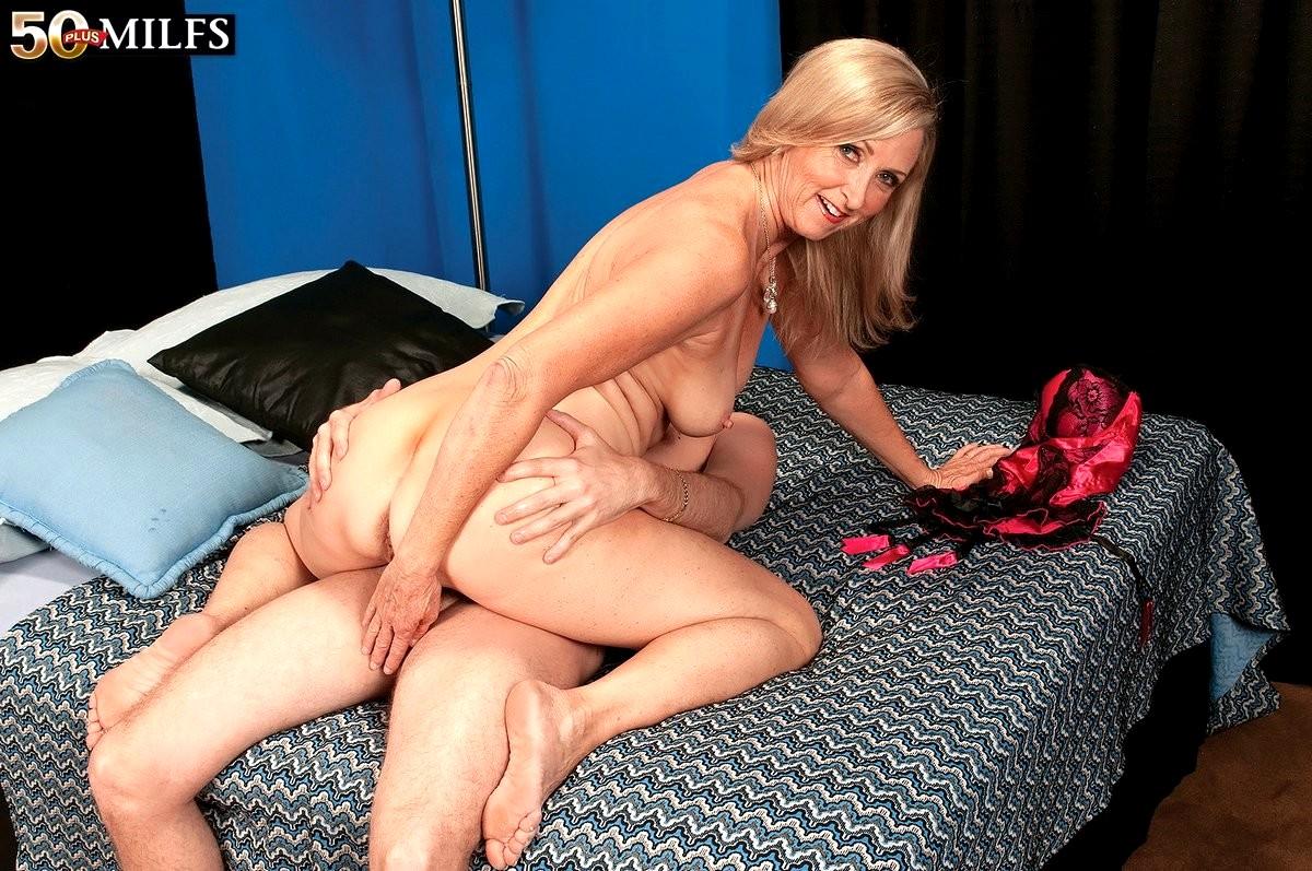 Babe Today 50 Plus Milfs Annabelle Brady Premium Feet -7004