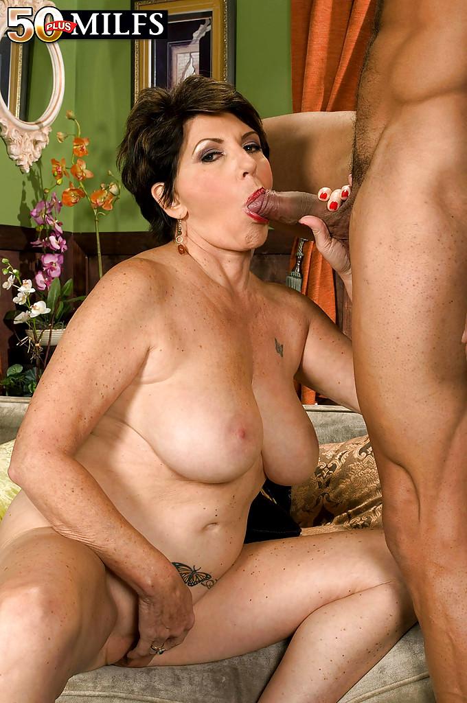 Big Milf Porn Pics