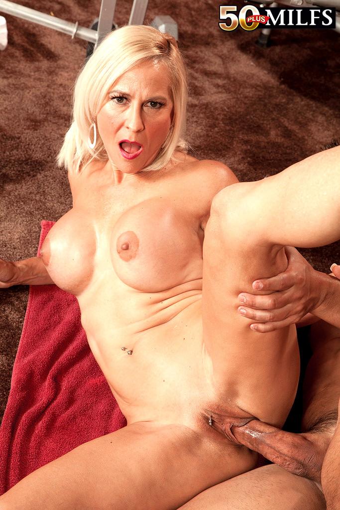 Porn Mature Big Tits