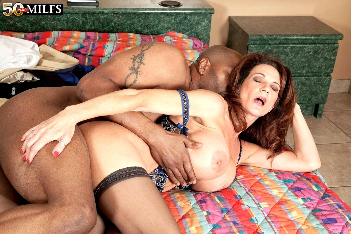 Interracial Milf Sex Pictures