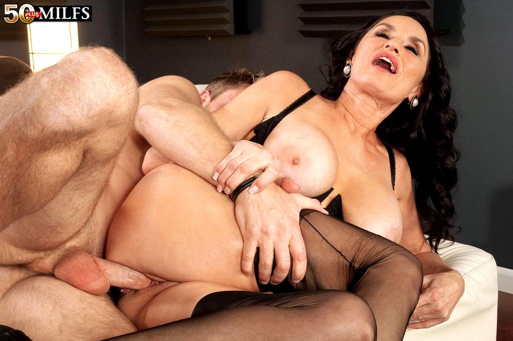Big booty latina squirting