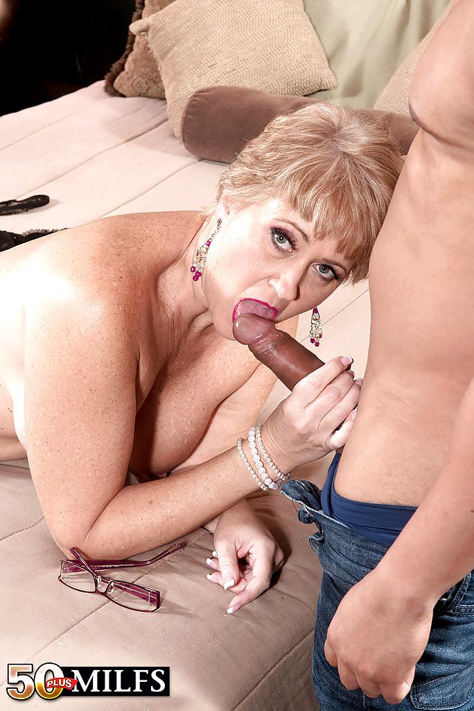 порно фото зрелых женщин делают анализ - 9