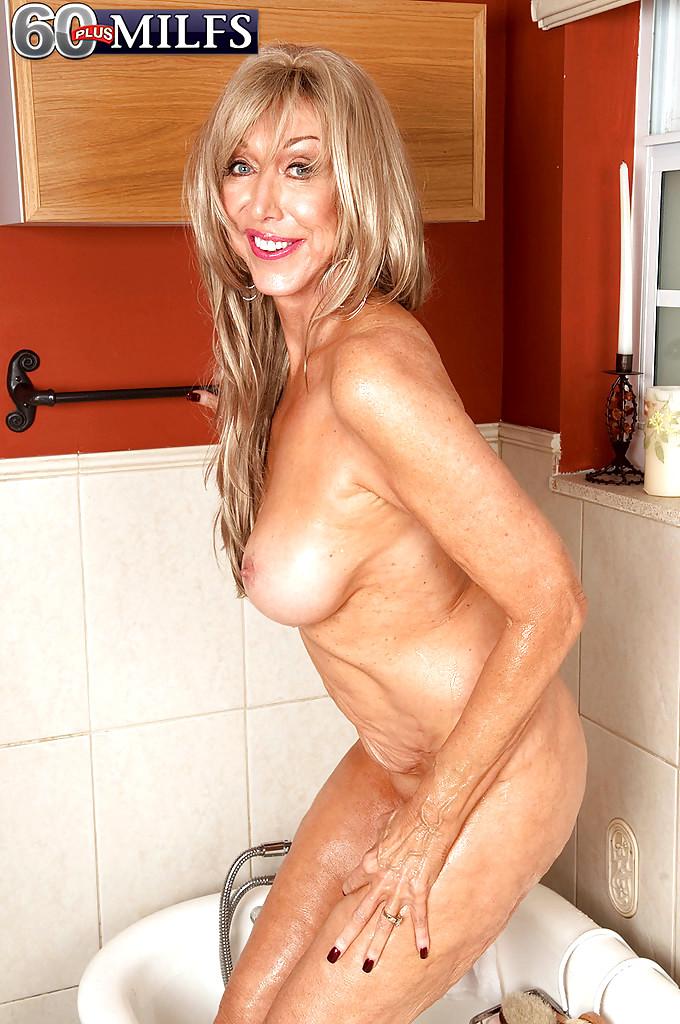 Cougar Shower Porn