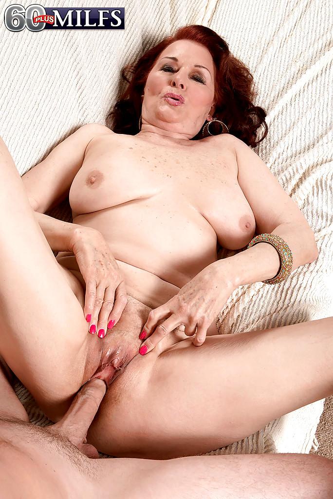 Amateur nude self shot pussy