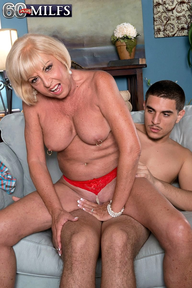 40 plus milf loves to fuck - 3 part 10
