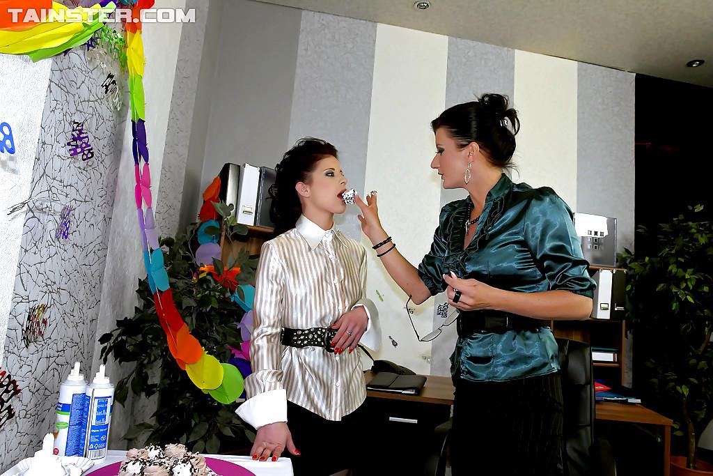 Milf lesbian west monreo aus 45 pinkcupid