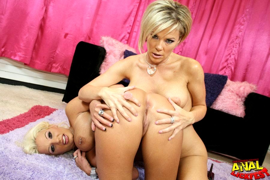 Kayla Synz Porn Pics
