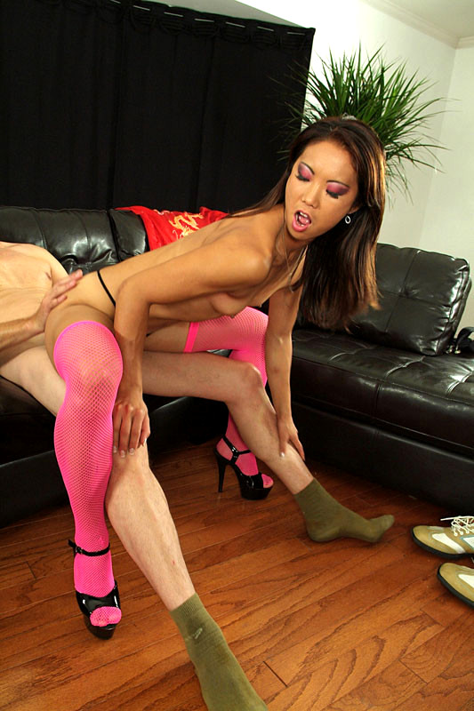 Katherine Lee Is A Kinky Oriental Bitch Who Begs For Cum Hd