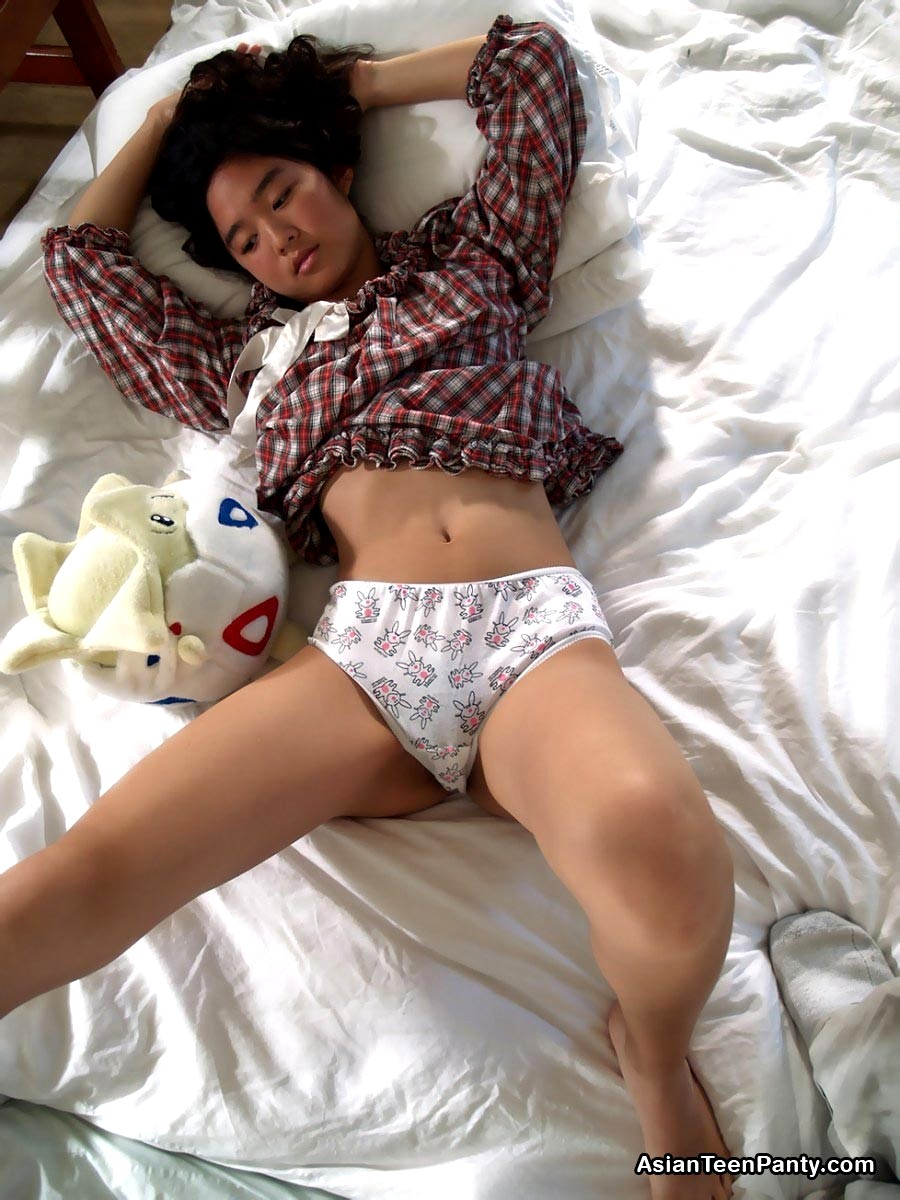 Asian Teen Panty Pics