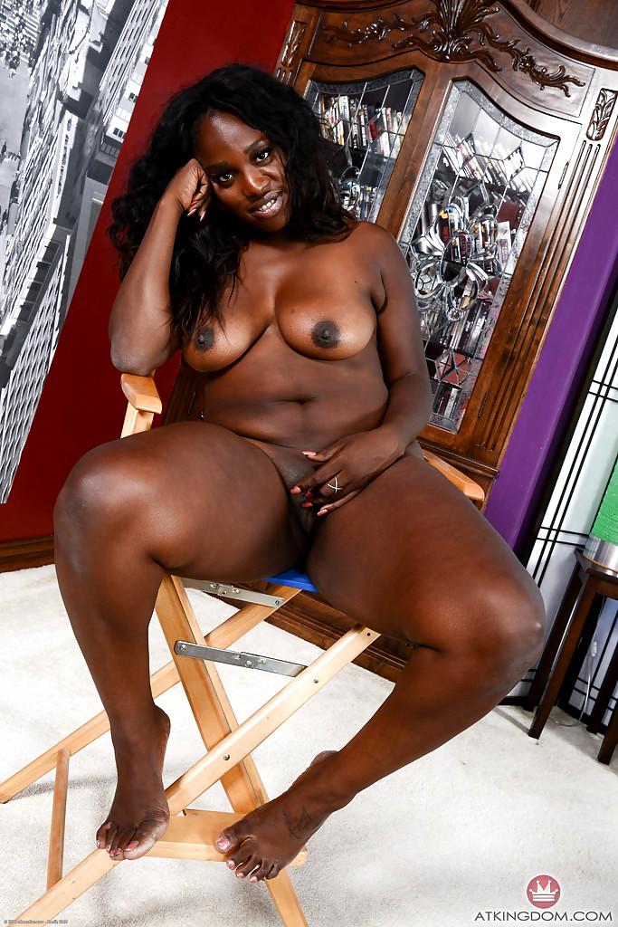 Kenya ladies nude photo — 8