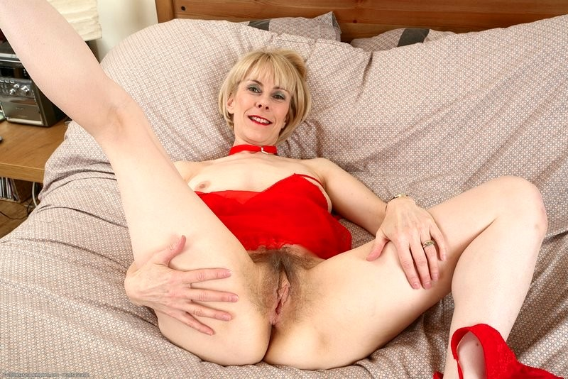 Hairy Mature Nude Pictures
