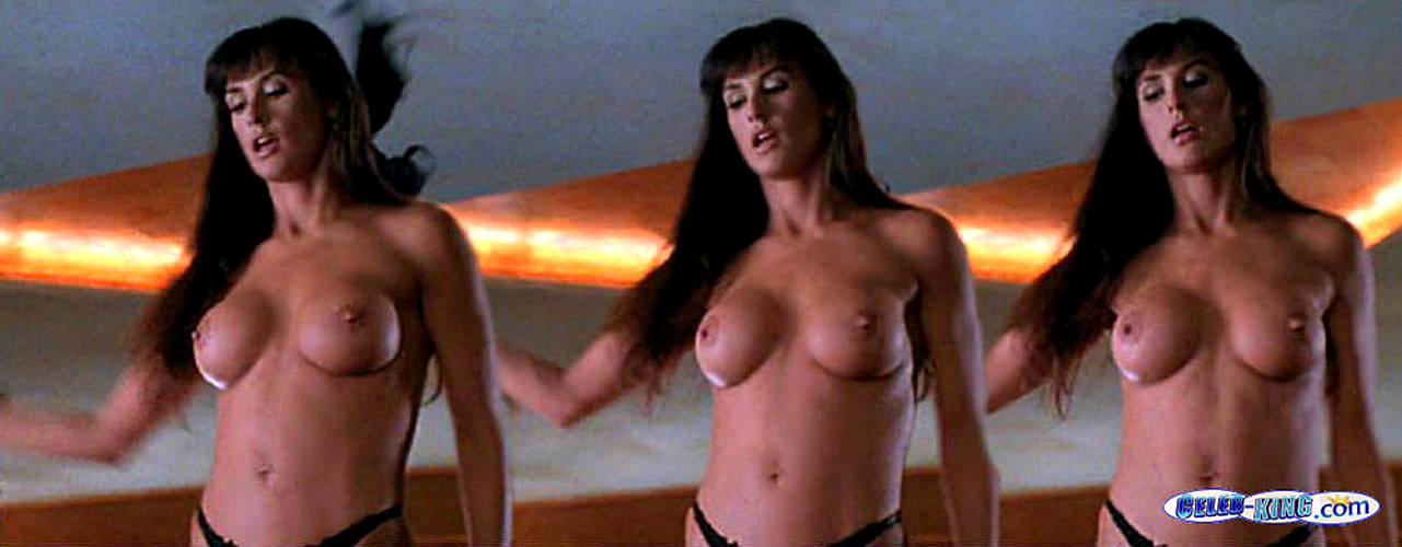 Free Celeb Gallery Demi Moore Exposes Her Big Boobs