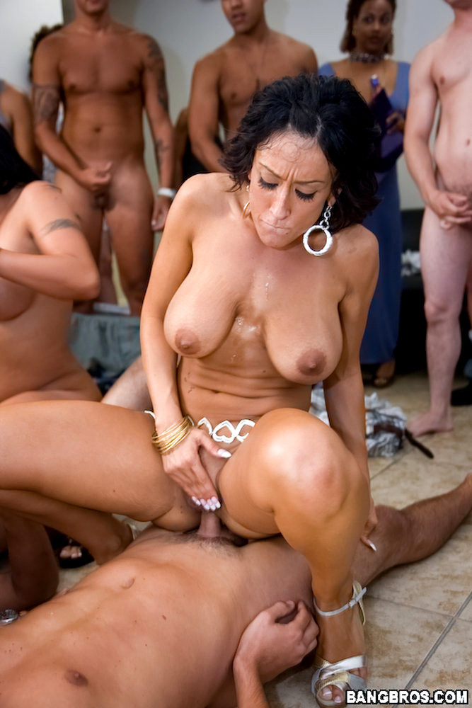 Gang bang mariah-6906