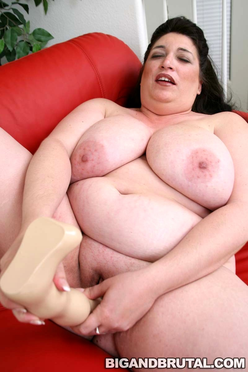 WHORES chubby facesitting and mouth dildos she's gorgeous