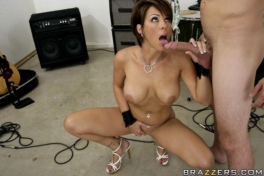 Kayla Synz Pornstar Images And Adult Dvds