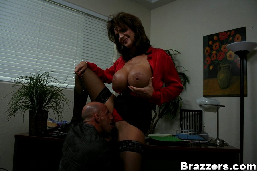 Big Tits At Work Deauxma 81