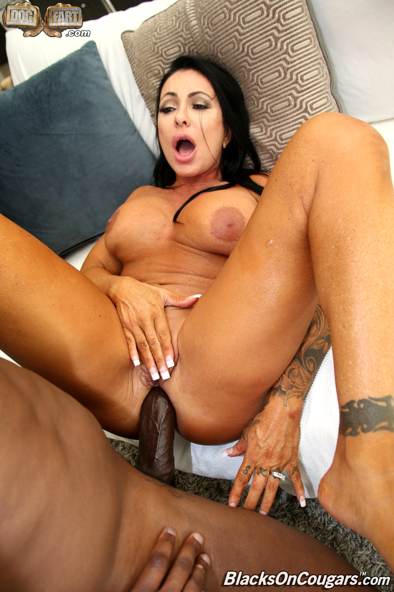 lesbians sucking big clits
