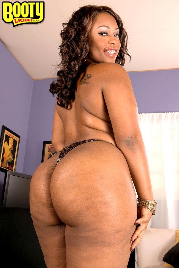 Laila hot tits - 3 part 2