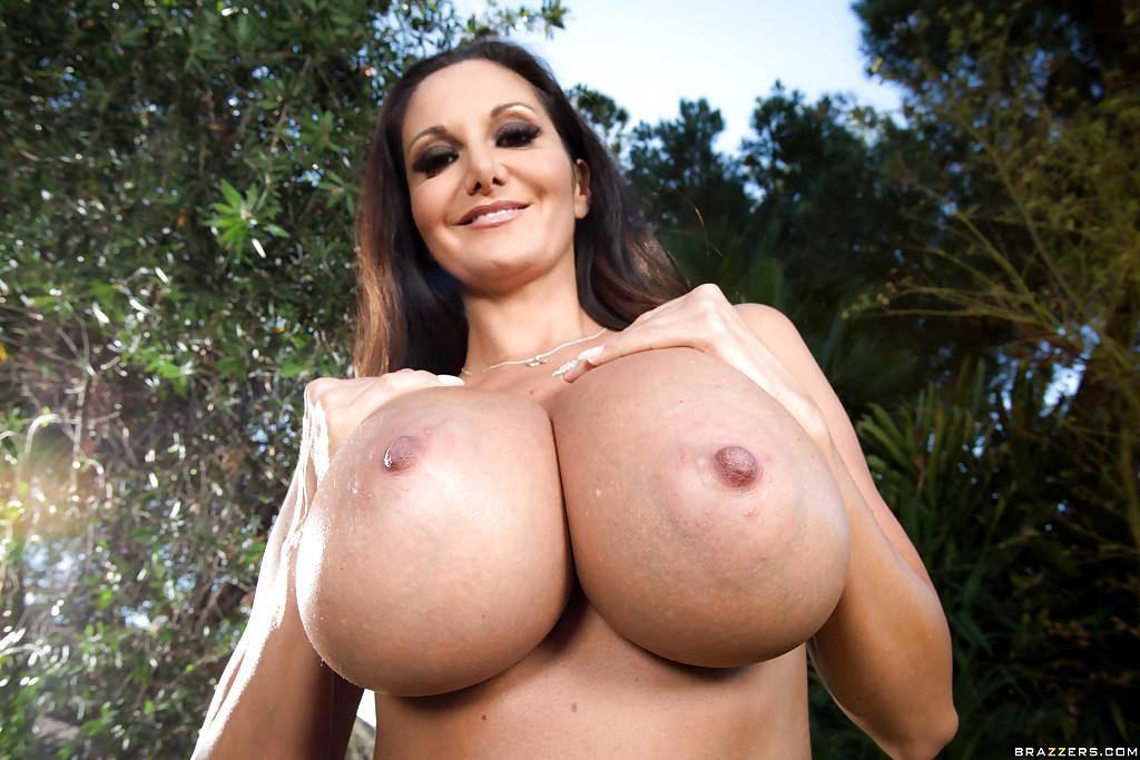 Brazzers busty spanish babe esperanza gomez gets a massage - 3 part 7