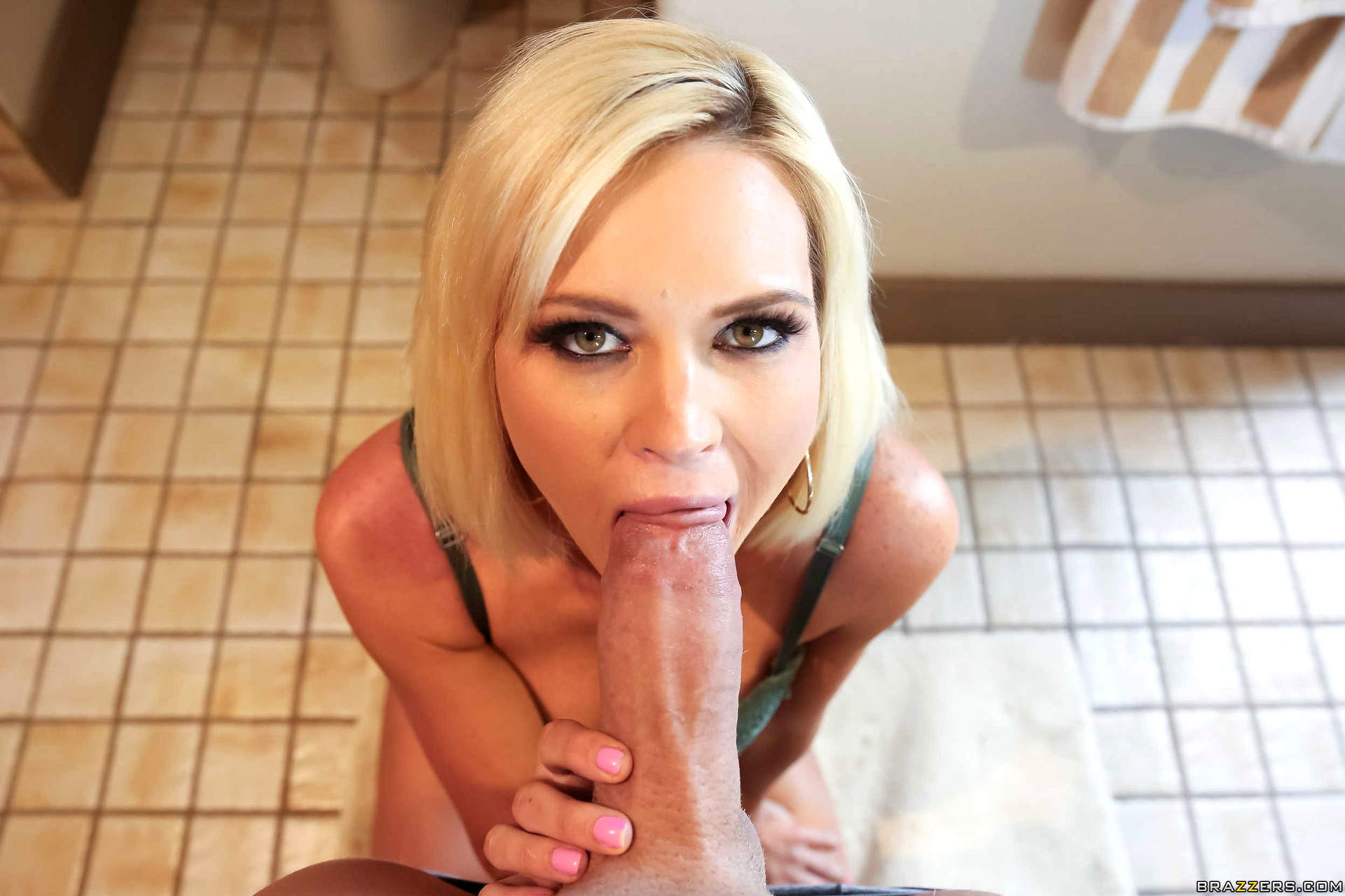 Astrid Star - Vidos Porno Gratuites et Films X YouPorn