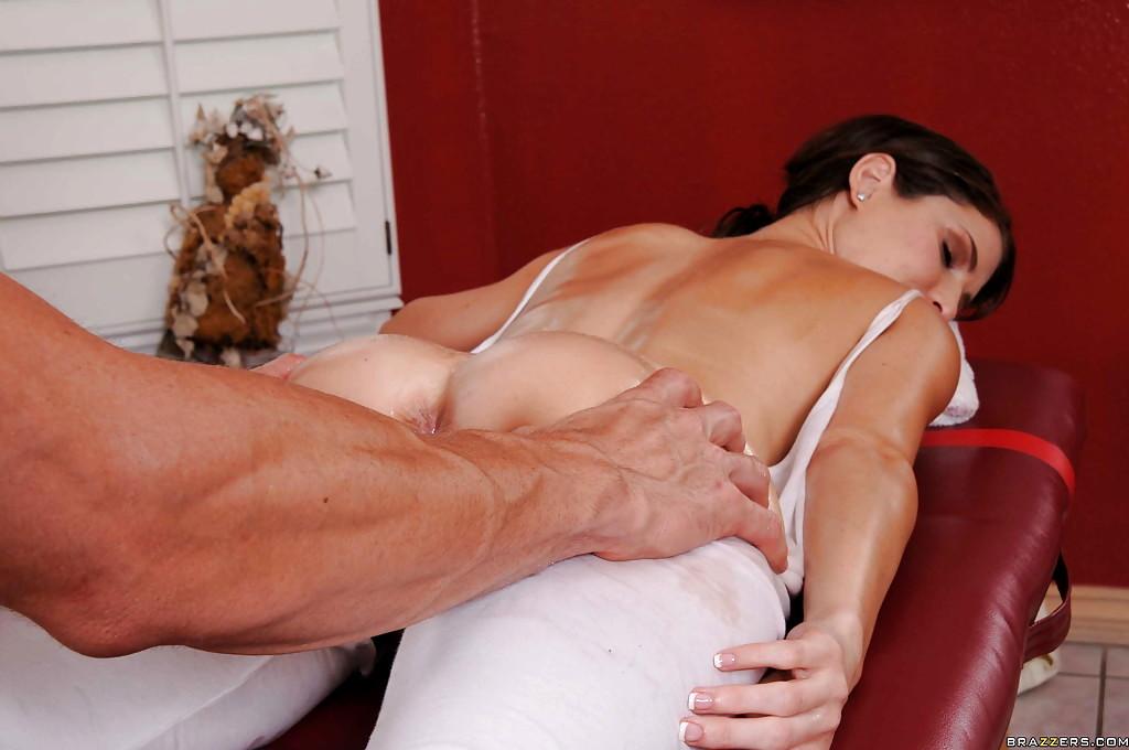 Струйный секс массаж для зрелой дамы уломала парней секс