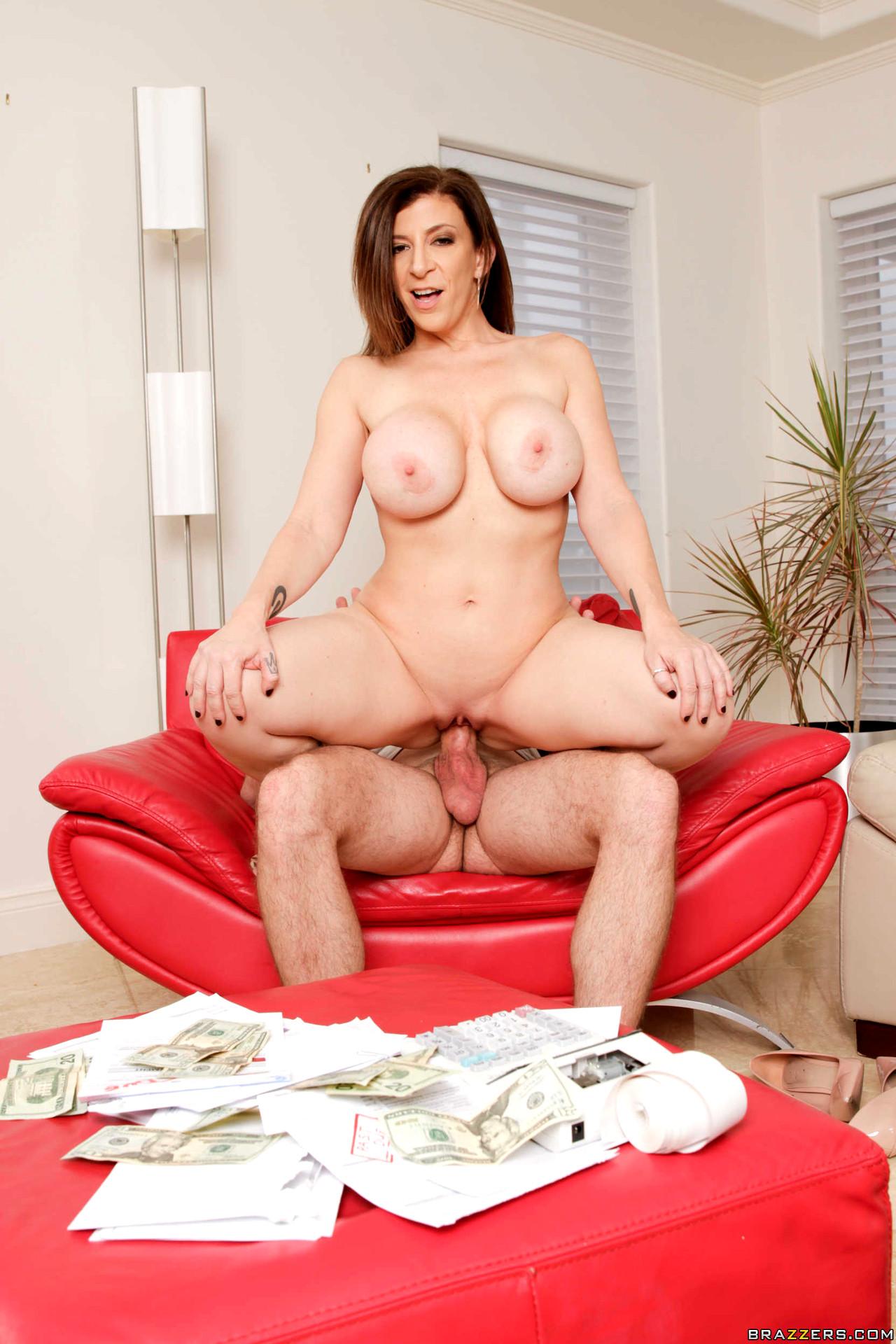 Putting her boobs to good use sara jay kyle mason pin up girl porn, hispeltrach