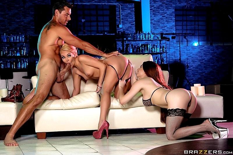 порно видео порно звезды трахаются со стриптизерами классные фигурки аппетитные