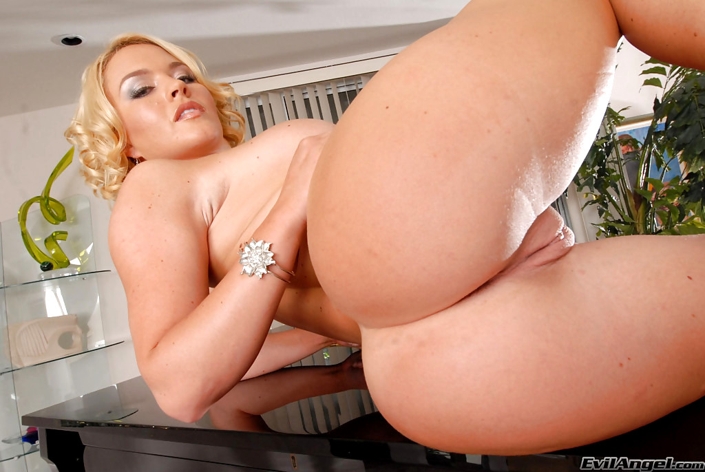 Krissy Lynn Buttman Focused 1