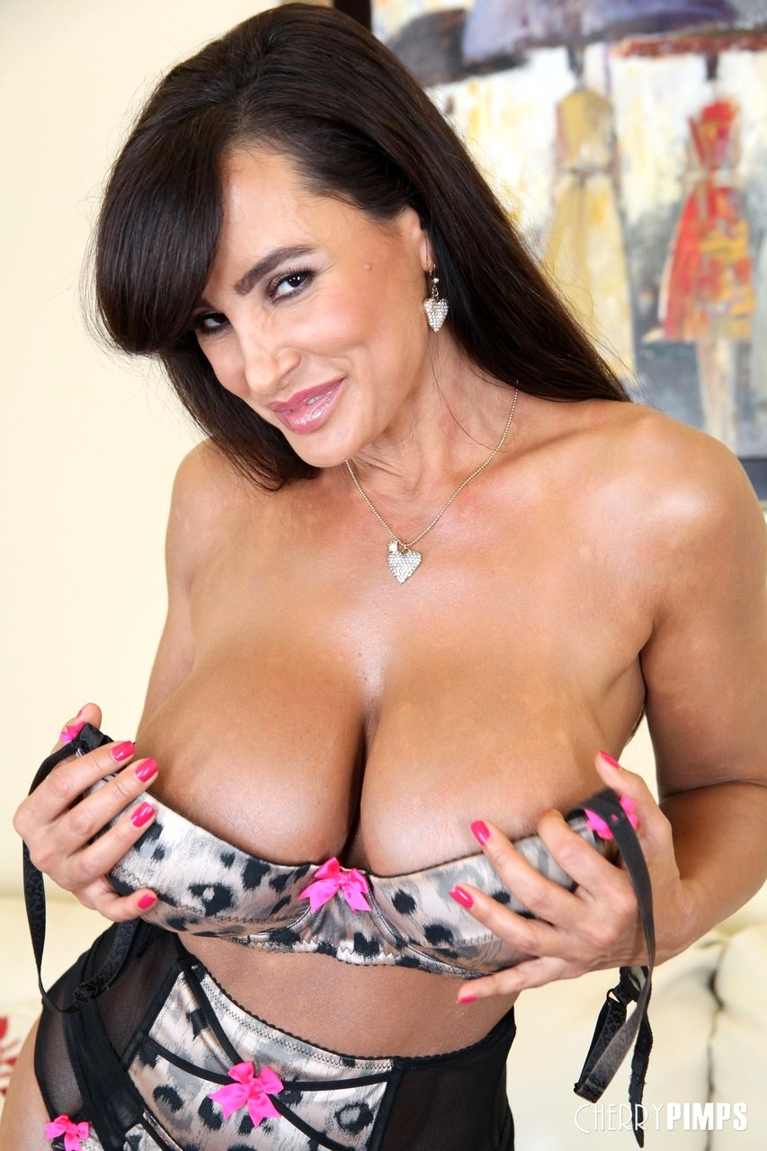 lisa ann 4tube