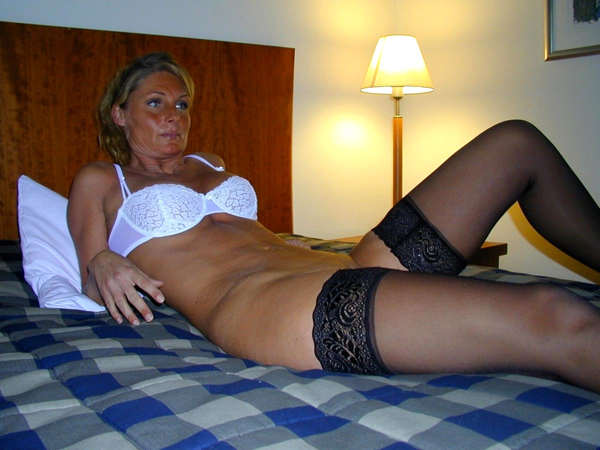 gagged hot naked lady on bed