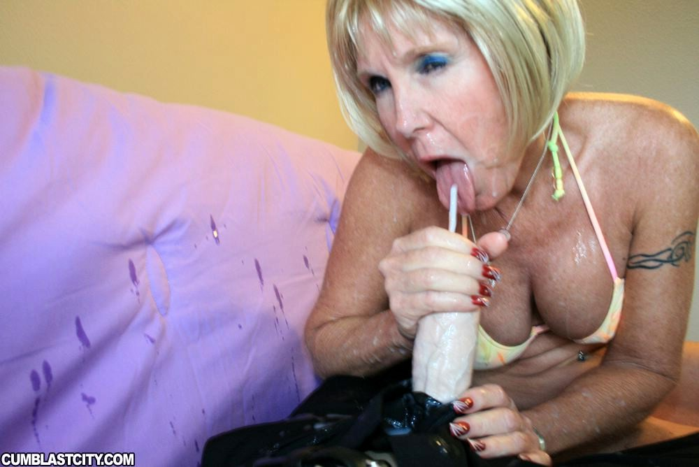 Hot Blonde Milf Tube