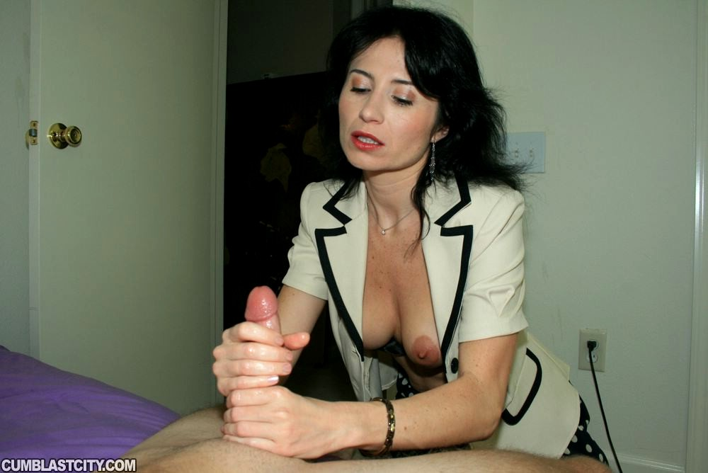 Carrie moon giving the boys a hand 3