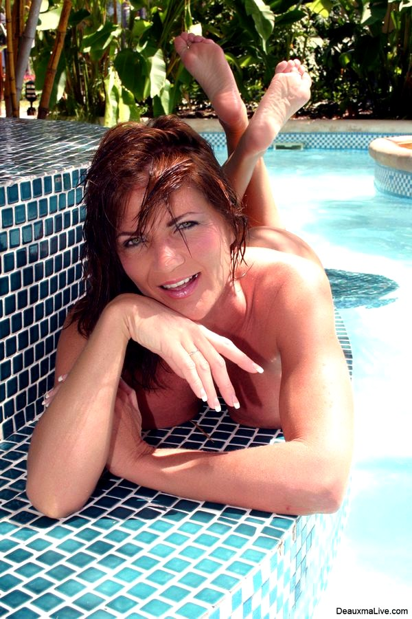 Deauxma webcam