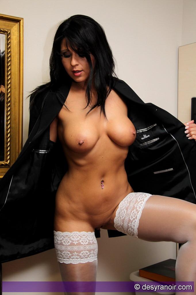 Desyra Noir Tits Yourdailygirls 1