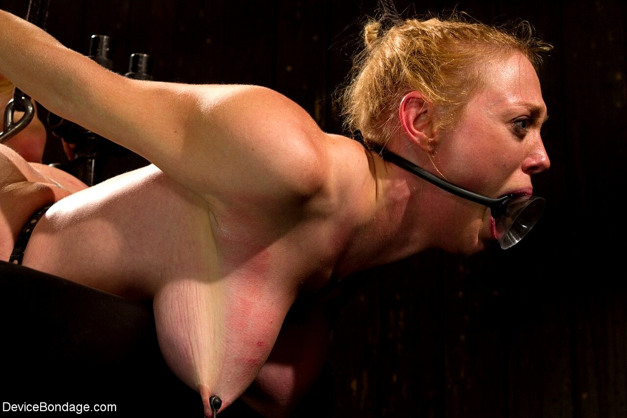 Blowjob in bondage