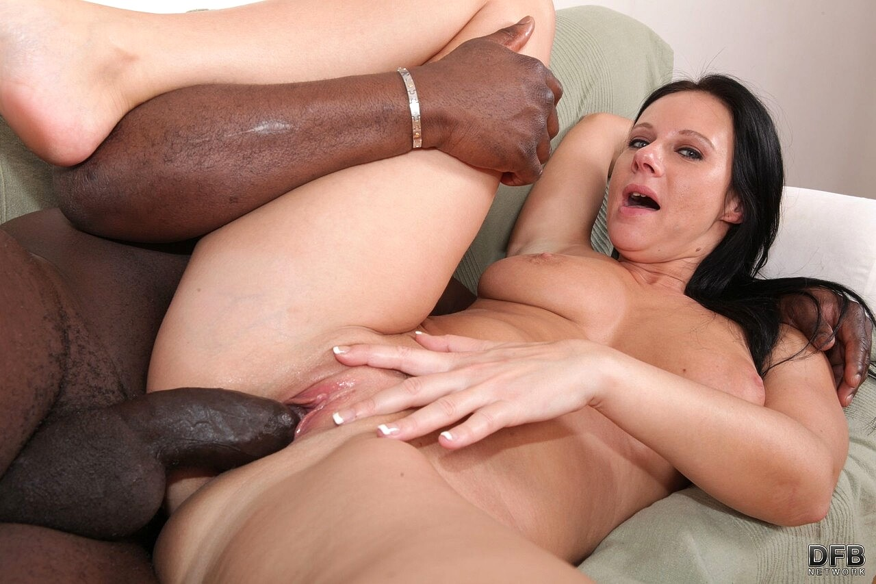 Black haired girl tries interracial threesome for the first time