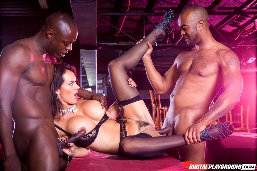 Live black sex shows — photo 12
