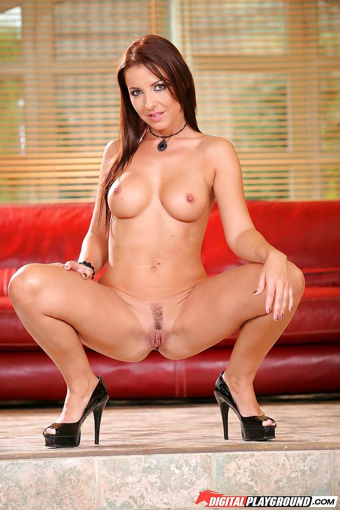 Dreamgirl Maria Bellucci, Free Girl Masturbating Porn Photo